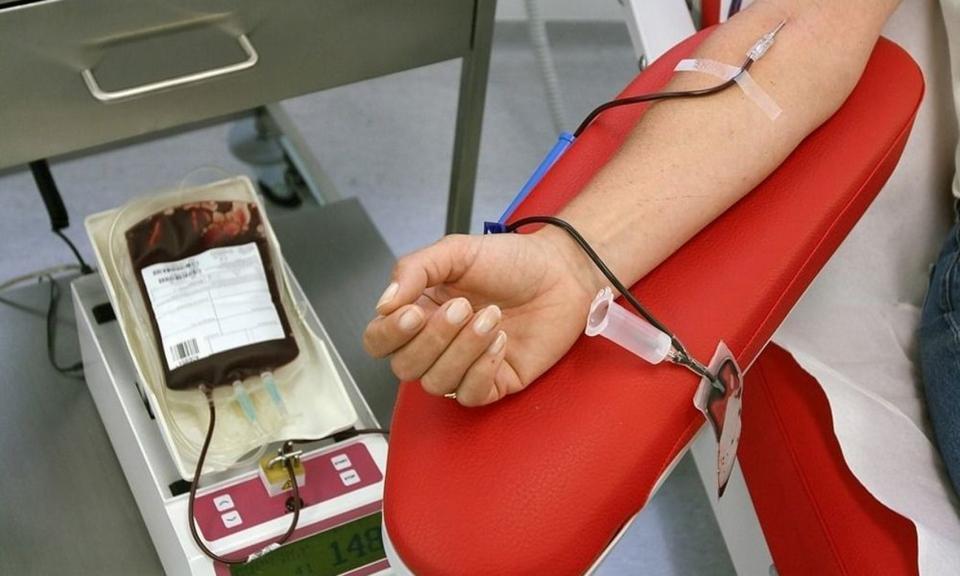 کمک به بیماران با اهدای خون